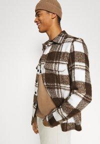 BOSS - BOSS X RUSSELL ATHLETIC - T-Shirt print - medium beige - 3
