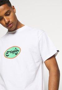 Grimey - VISIT JERICHO TEE UNISEX - Printtipaita - white - 3