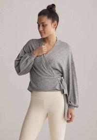 OYSHO - WRAP - Cardigan - light grey - 0