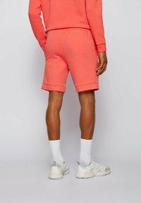 BOSS - HEADLO  - Shorts - open red - 2