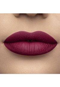 Too Faced - MELTED MATTE LIQUIFIED MATTE LONG WEAR LIPSTICK - Flüssiger Lippenstift - bend & snap! - 2