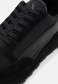 Armani Exchange - OSAKA  - Sneakers basse - black - 5