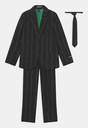 BOYS GLOW IN THE DARK OVERSIZED PINSTRIPE SET - Oblek - black