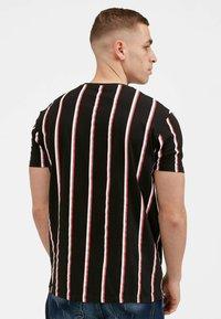 Kings Will Dream - MOFFAT - Print T-shirt - black / red - 2