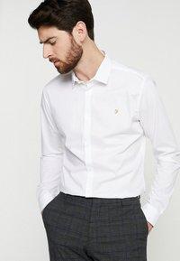 Farah Tailoring - HANDFORD SLIM FIT - Formal shirt - white - 0