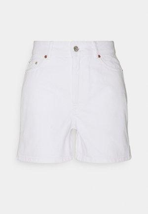 ONLBAY LIFE MOM - Denim shorts - white