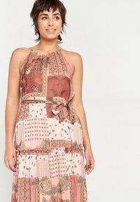 LolaLiza - Maxi dress - rust - 3