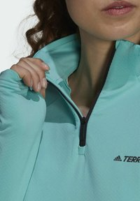 adidas Performance - TERREX EVERYHIKE HALF-ZIP FLEECE OBERTEIL - Fleece jumper - mint
