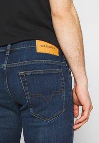 Diesel - YENNOX - Slim fit jeans - dark blue - 4