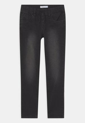 NKMROBIN  - Slim fit -farkut - black denim