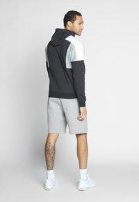 Nike Sportswear - CLUB - Shorts - grey heather/white - 2