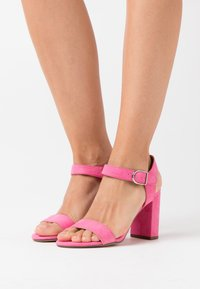 New Look - VIMS - Korolliset sandaalit - bright pink - 0