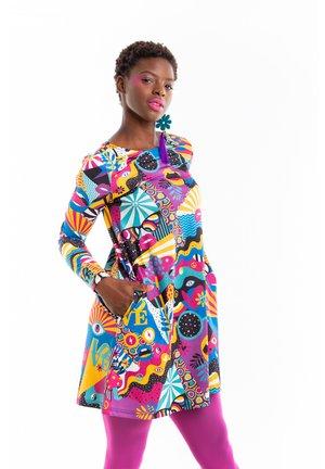 PEACE AND LOVE - Vestido informal - multicolor