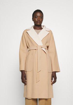 RAIL - Classic coat - honey/cream