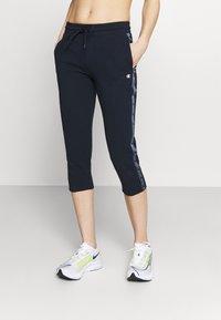 Champion - CAPRI PANTS - 3/4 sports trousers - dark blue - 0