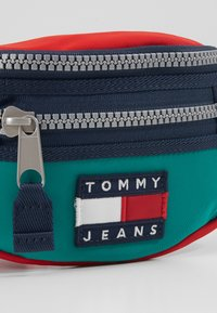 Tommy Jeans - HERITAGE BUMBAG - Bum bag - green - 2
