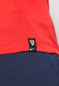 Nike Performance - KROATIEN GROUND - Pelipaita - light crimson - 5