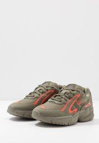 adidas Originals - YUNG-96 CHASM TRAIL - Sneakers - raw khaki/solar red - 2