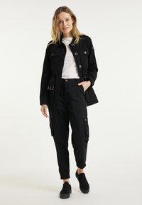DreiMaster - Short coat - schwarz - 1