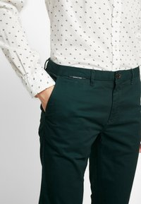 Scotch & Soda - MOTT CLASSIC - Chinos - fern - 5
