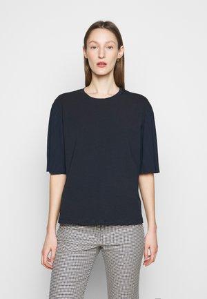 BUGIA - Print T-shirt - blau