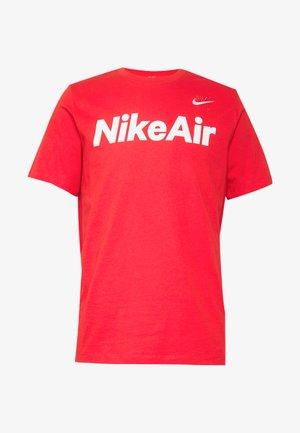AIR TEE - T-shirt med print - university red/white