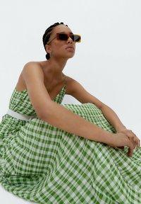 Uterqüe - Maxi dress - green - 4