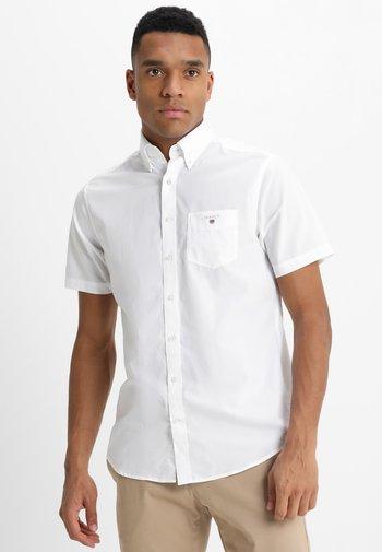 BROADCLOTH - Skjorta - white