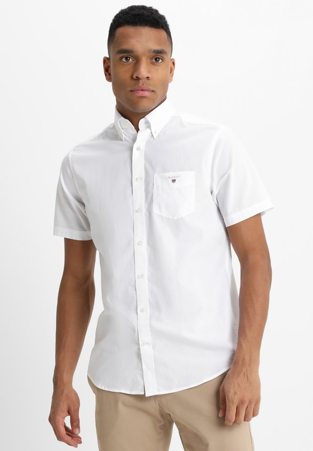 THE BROADCLOTH REGULAR FIT - Camisa - white