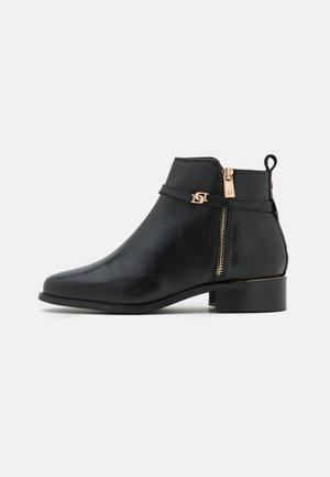 WIDE FIT PAP - Ankelboots - black