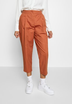 MONA TROUSERS - Kalhoty - orange dark