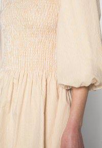 Résumé - EDDA DRESS - Day dress - warm sand - 4