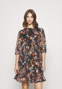 Pieces - PCFLOWIN 3/4 SLEEVE DRESS - Day dress - black - 3