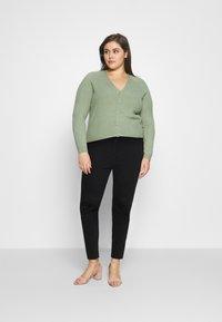 Levi's® Plus - 721 PL HI RISE SKINNY - Jeans Skinny Fit - long shot - 1