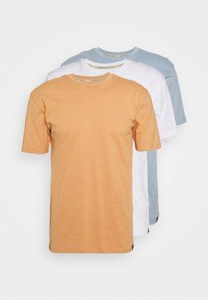 CORE 3 PACK - T-shirt basic - sandstorm/white/ashley blue