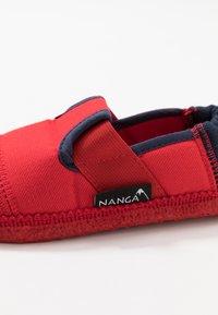 Nanga - KLETTE  - Slippers - rot - 5