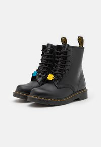 Dr. Martens - 1460 KH-8 EYE BOOT UNISEX - Veterboots - black - 1