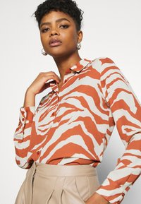 Monki - ASSA BLOUSE - Button-down blouse - orange - 3