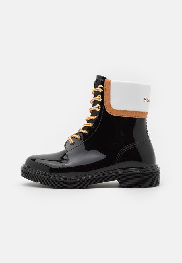 FLORRIE - Regenlaarzen - black
