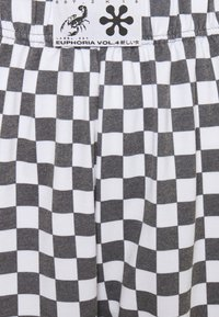 NEW girl ORDER - WHITE CHECKERBOAD TROUSER - Tracksuit bottoms - black/white - 2