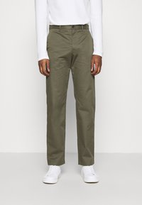Wood Wood - MARCUS LIGHT TWILL TROUSERS - Chinot - olive - 0
