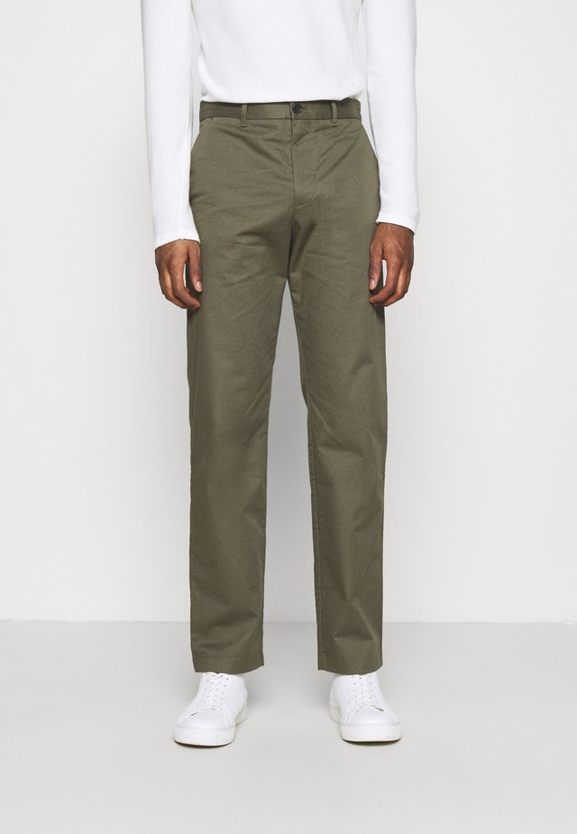 MARCUS LIGHT TWILL TROUSERS - Chino - olive