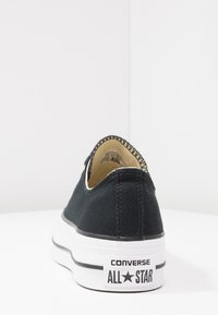 Converse - CHUCK TAYLOR ALL STAR LIFT - Sneakersy niskie - black/garnet/white - 7