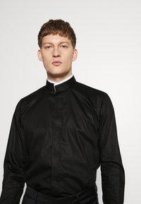 KARL LAGERFELD - MODERN FIT - Formal shirt - black - 3
