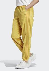 adidas Originals - CUFFED SPORTS INSPIRED PANTS - Teplákové kalhoty - coryel - 2