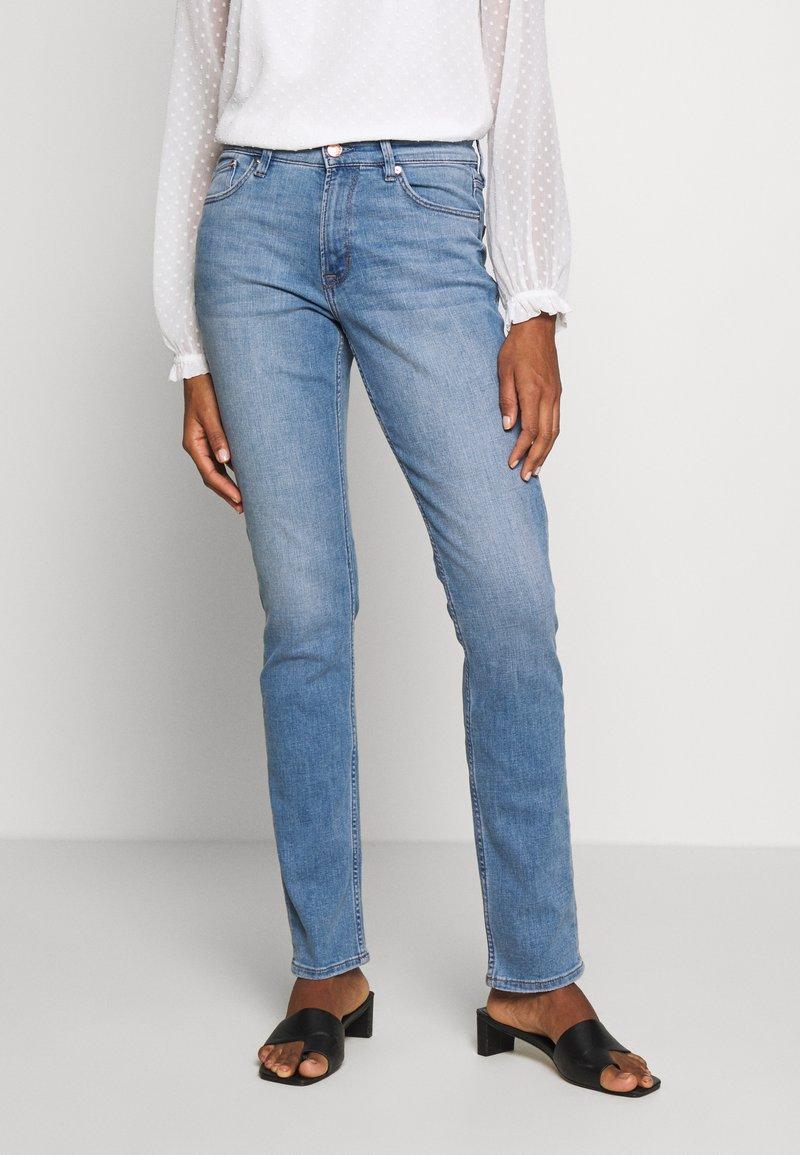 s.Oliver - LANG - Slim fit jeans - middle blue