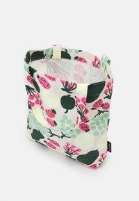 Marimekko - NOTKO PIENI TORI - Shopping bag - off white/green/pink - 2