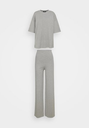 TEE AND WIDE LEG SET - Trousers - grey