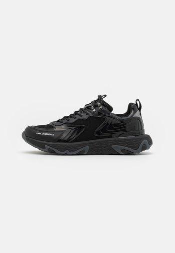 BLAZE PYRO MIX - Sneakers laag - black