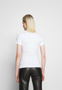 House of Holland - HEY THERE SHRUNKEN TEE - Print T-shirt - white - 2